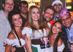Barcrawl Babes With Stag Party