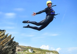 Coasteer Mid Air Newquay