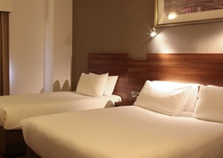 Jurys Inn Leeds Triple Room