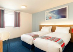 Travelodge Cardiff Queen St Twin Room